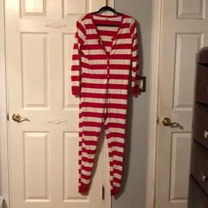 🎅🏼🎄 Red and White Striped Onesie 🎄🎅🏼